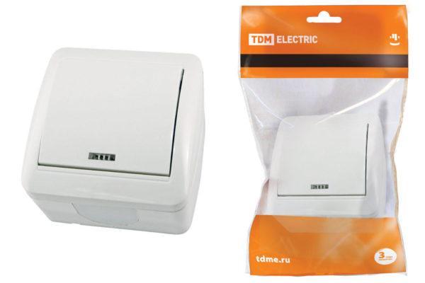 """Выключатель 1-кл. открытой установки с подсветкой IP44 10А белый """"Селигер"""" TDM SQ1818-0003"""