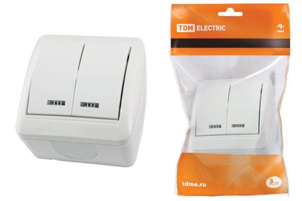 """Выключатель 2-кл. открытой установки с подсветкой IP44 10А белый """"Селигер"""" TDM SQ1818-0004"""