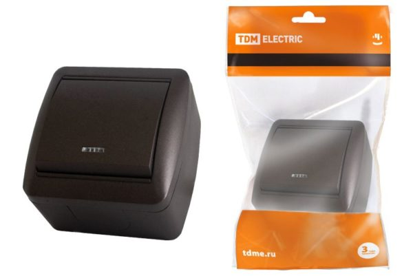 Выключатель 1-кл. открытой установки с подсветкой IP44 10А шоколад «Селигер» TDM SQ1818-0203